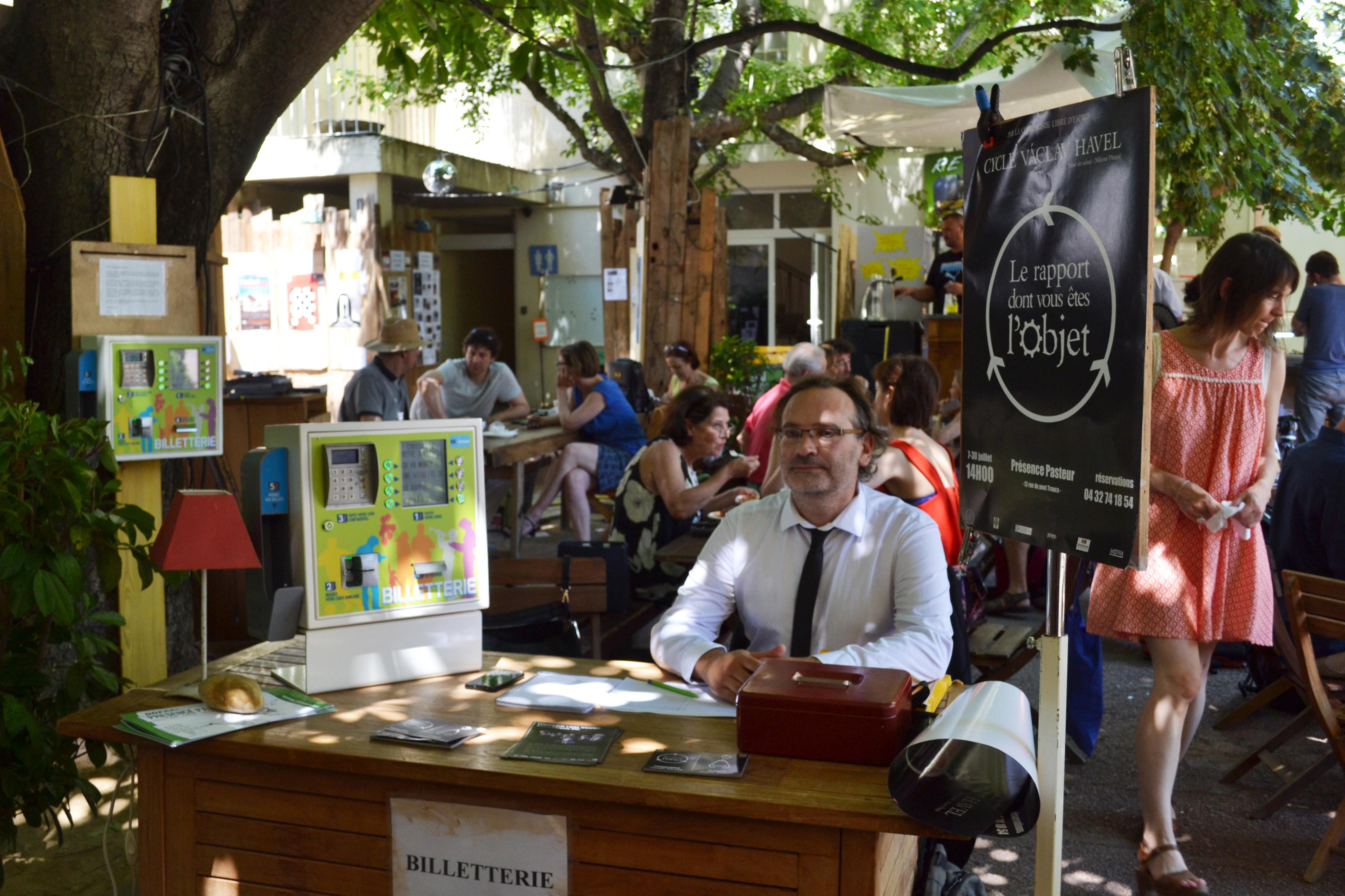 Borne billetterie festival Avignon M-Innov
